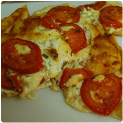 Pizza Fresh Tomato and Fresh Cheese - International Cooking Blog