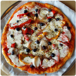 The International Cooking Blog - pizza red peppers black olives