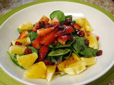 Strawberry spinach salad - International Cooking Blog