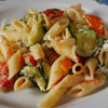Pasta with zucchini, bell peppers and ricotta